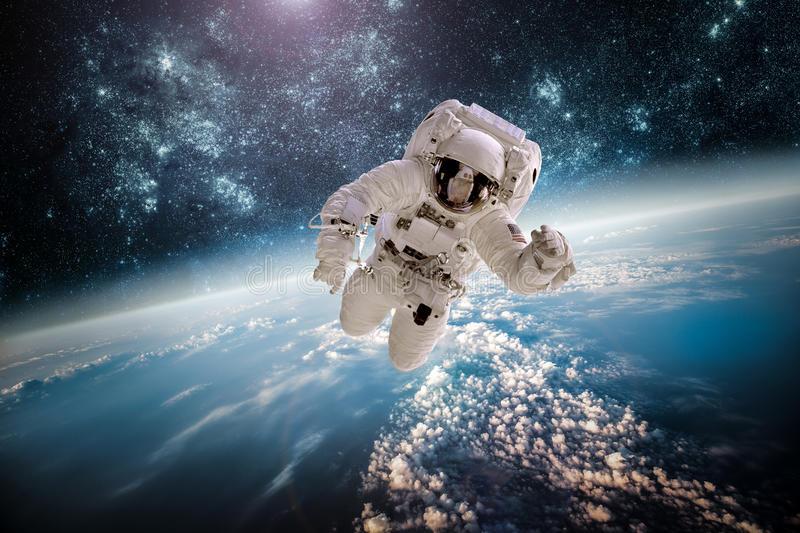 Виртуальное путешествие в «Космическое пространство»